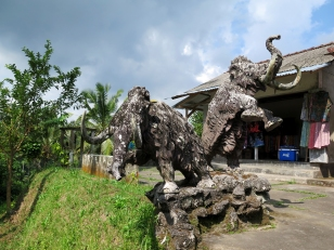 Mamouth Sculpture - Tampak Siring